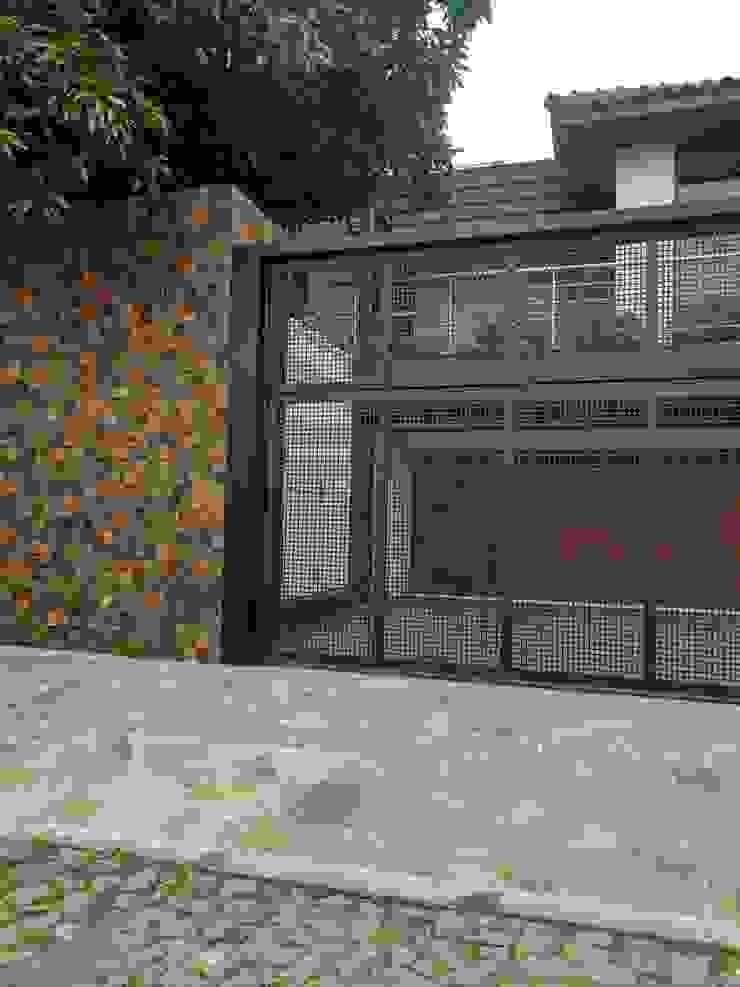 by Rebello Pedras Decorativas Modern Stone