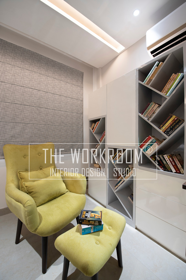 Apartment in Ridgewood Estate, Gurugram The Workroom Modern study/office White