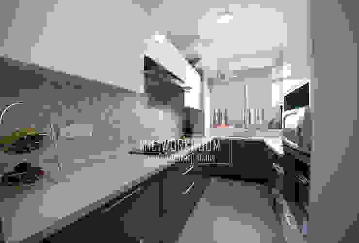 Apartment in Ridgewood Estate, Gurugram Modern kitchen by The Workroom Modern