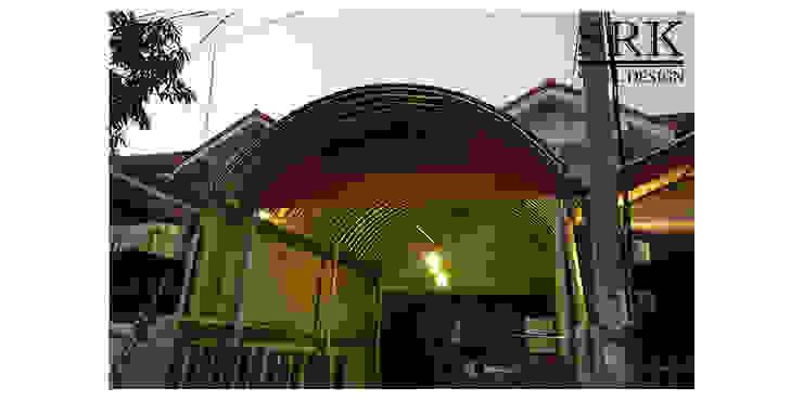 งานต่อเติมโรงจอดรถ ด้วยโครงสร้างเหล็ก และหลังคาเมทัลชีททรงโค้ง โดย SRK Contractor