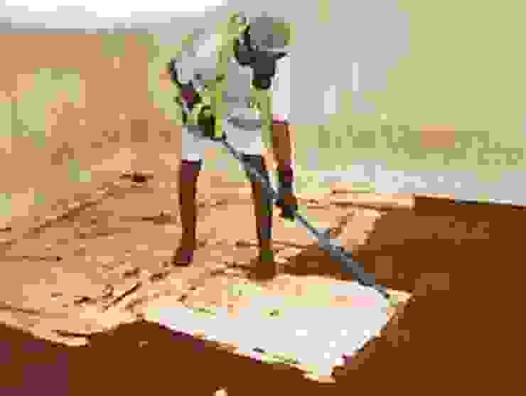 الخزان الارضى قبل العزل والتنظيف من دقة العمل للخدمات المنزلية