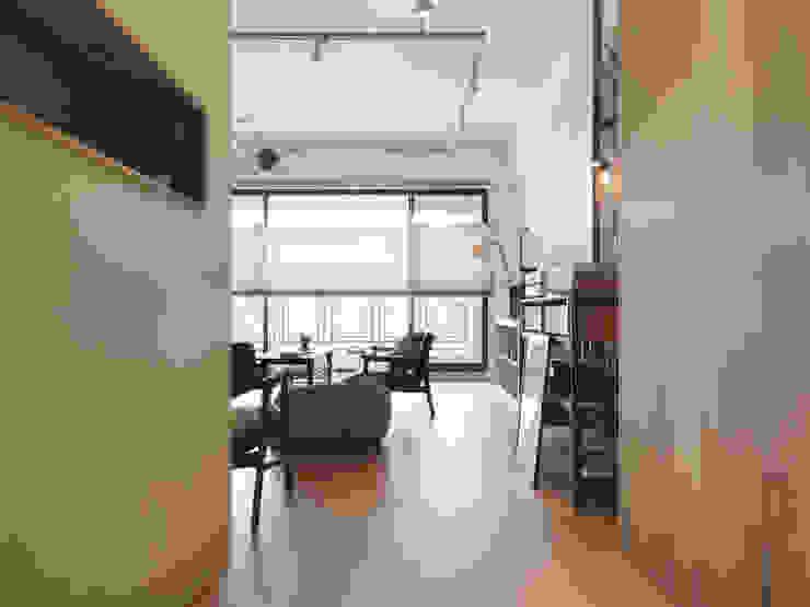 木耳生活藝術-室內設計/竹北・郭宅 现代客厅設計點子、靈感 & 圖片 根據 木耳生活藝術 現代風