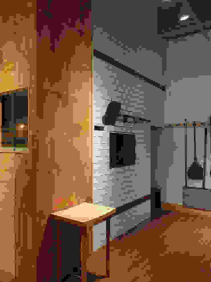 Dinding & Lantai Modern Oleh 木耳生活藝術 Modern