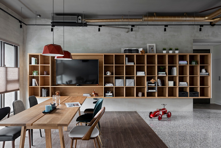 Living room by MSBT 幔室布緹, Industrial Solid Wood Multicolored