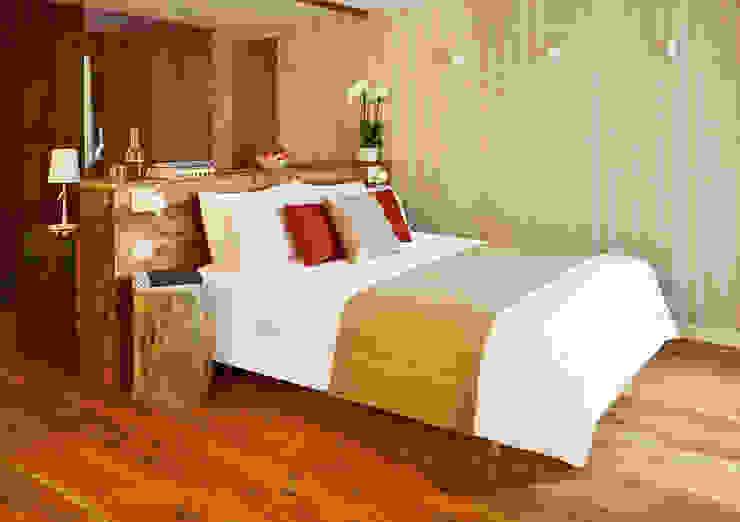 Bolefloor Dormitorios de estilo moderno Madera