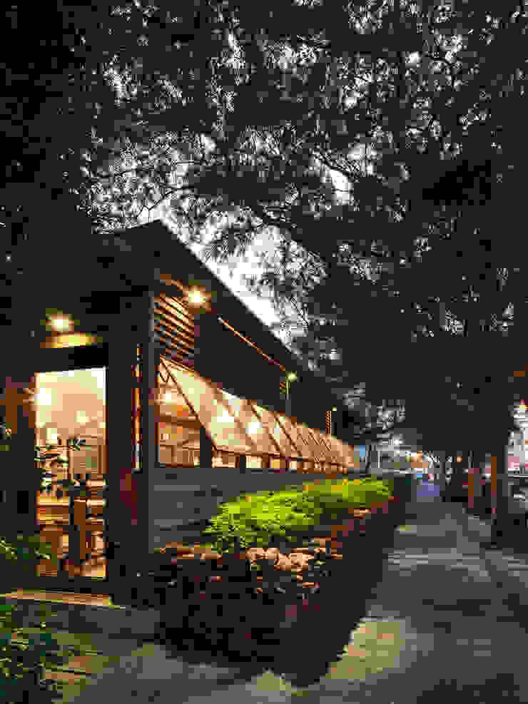 木耳生活藝術-商業空間/竹北披薩店 根據 木耳生活藝術 簡約風