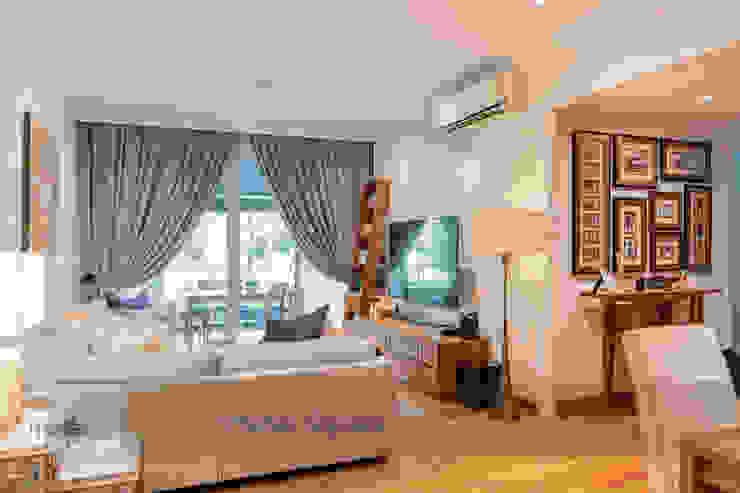 Salones de estilo clásico de Meter Square Pte Ltd Clásico