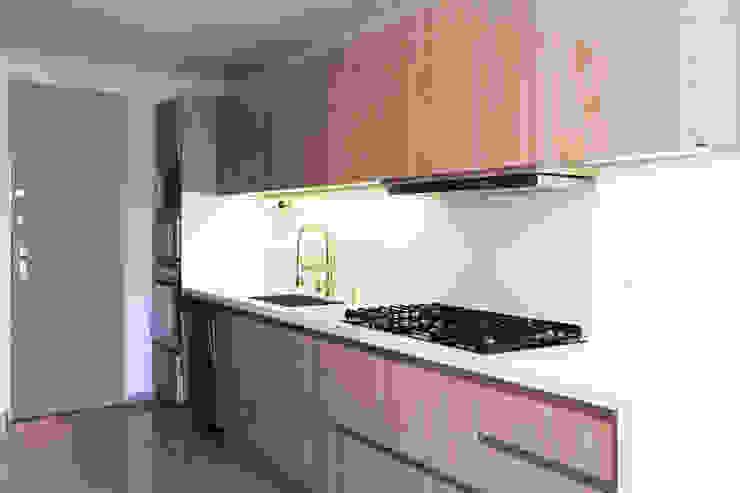 Baño y Cocina SG de Gamma Minimalista Madera Acabado en madera