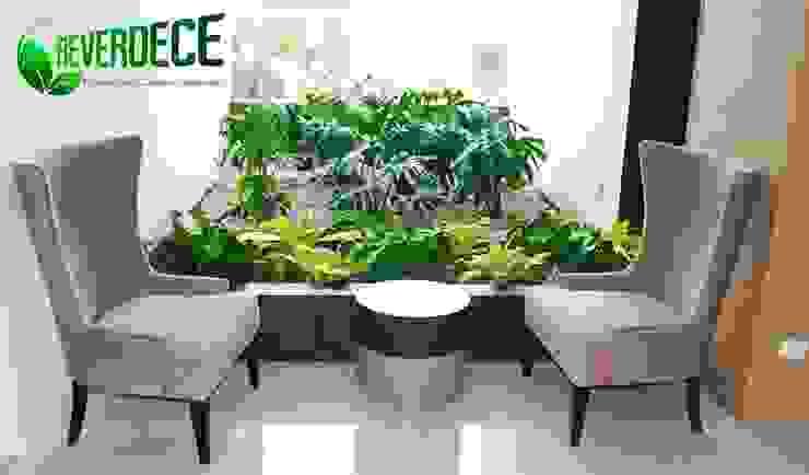 Jardín en Recepción - Lobby de REVERDECE PERU SAC Moderno