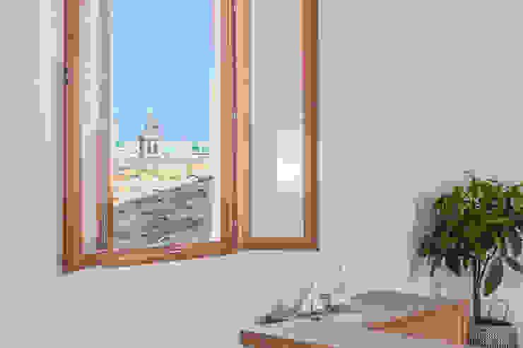 Fiol arquitectes Столовая комната в средиземноморском стиле
