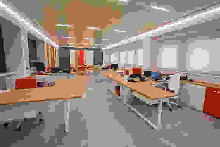 Uffici: Studio in stile  di TERdesign snc,