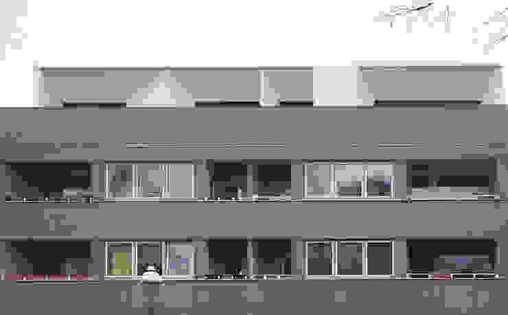 gefaltete Fassade:  Häuser von boehning_zalenga  koopX architekten in Berlin,