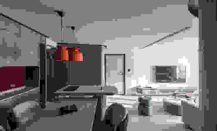 Pasillos, vestíbulos y escaleras modernos de 湜湜空間設計 Moderno