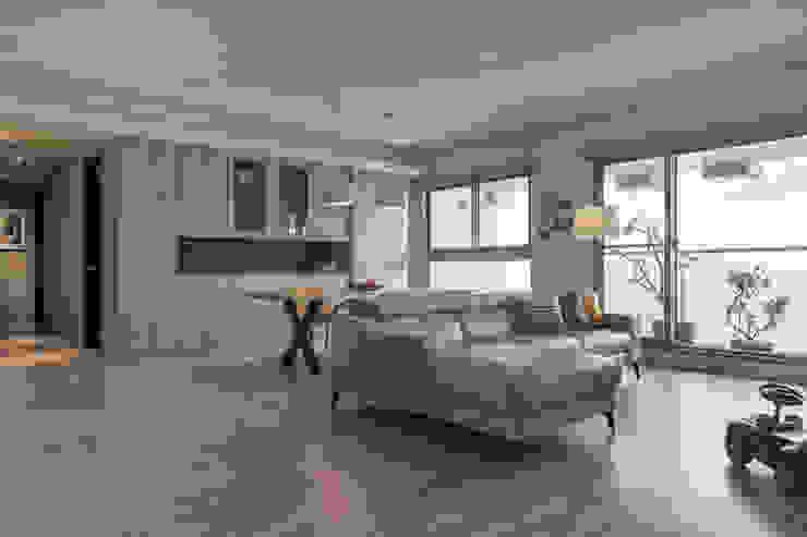 客廳與餐廳 詩賦室內設計 Modern living room