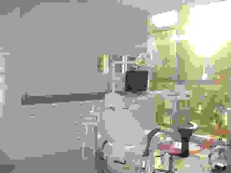 Kalya İç Mimarlık \ Kalya Interıor Desıgn モダンな医療機関 ガラス ピンク