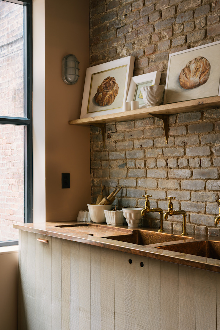 The Potting Shed in Manhattan deVOL Kitchens Rustic style kitchen