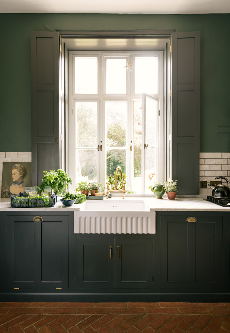 The Victorian Rectory by deVOL deVOL Kitchens Classic style kitchen Solid Wood