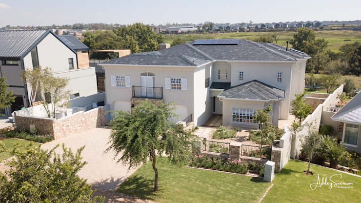 Luxury home in Midrand by Ivecon Projects