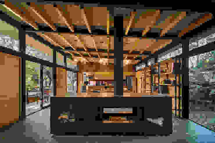 Saavedra Arquitectos Modern living room Solid Wood Wood effect