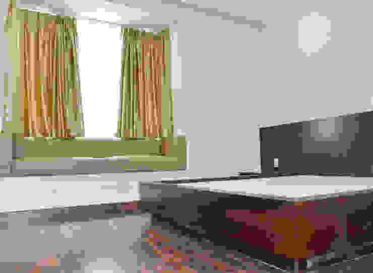 CĂN HỘ THE RIVERSIDE RESIDENCE QUẬN 7 Phòng ngủ phong cách hiện đại bởi VAN NAM FURNITURE & INTERIOR DECORATION CO., LTD. Hiện đại
