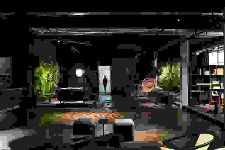 COLETIVO 284 - ENTRADA: Espaços comerciais  por Adriana Scartaris: Design e Interiores em São Paulo,Industrial