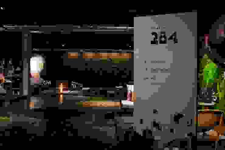 COLETIVO 284 - RECEPÇÃO: Espaços comerciais  por Adriana Scartaris: Design e Interiores em São Paulo,Industrial