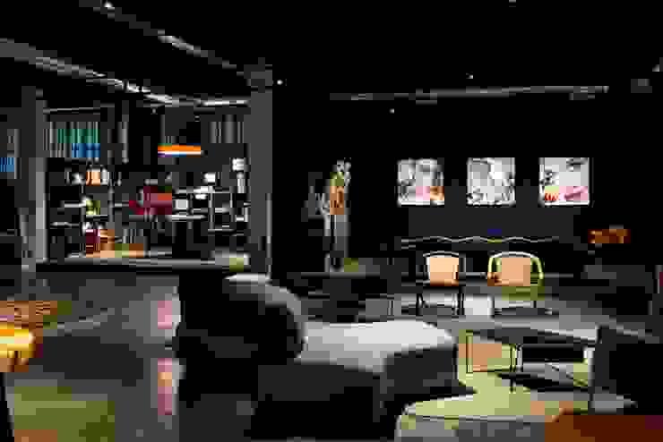 COLETIVO 284 - LOUNGE DE REUNIÕES: Espaços comerciais  por Adriana Scartaris: Design e Interiores em São Paulo,Industrial