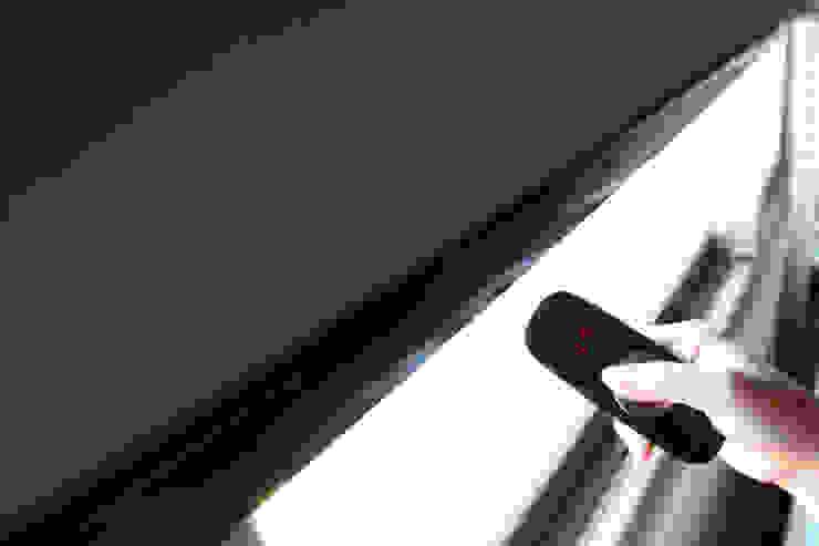 除了美感外,還多了一份機能的夢想家居 |Motorized 電動窗簾.窗簾推薦: 產業  by MSBT 幔室布緹, 工業風 亞麻織品 Pink
