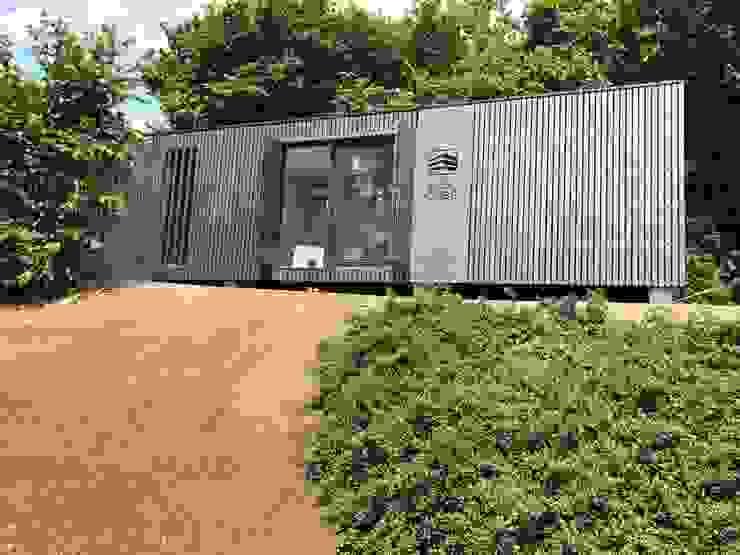 Gästehaus von WoodCube GmbH Modern Holz Holznachbildung