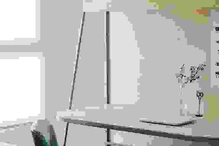 Phòng học/văn phòng phong cách Bắc Âu bởi MSBT 幔室布緹 Bắc Âu Gỗ-nhựa composite