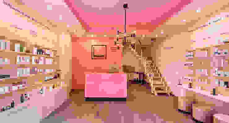 CONSCIOUS DESIGN - INTERIORS Offices & stores Multicolored