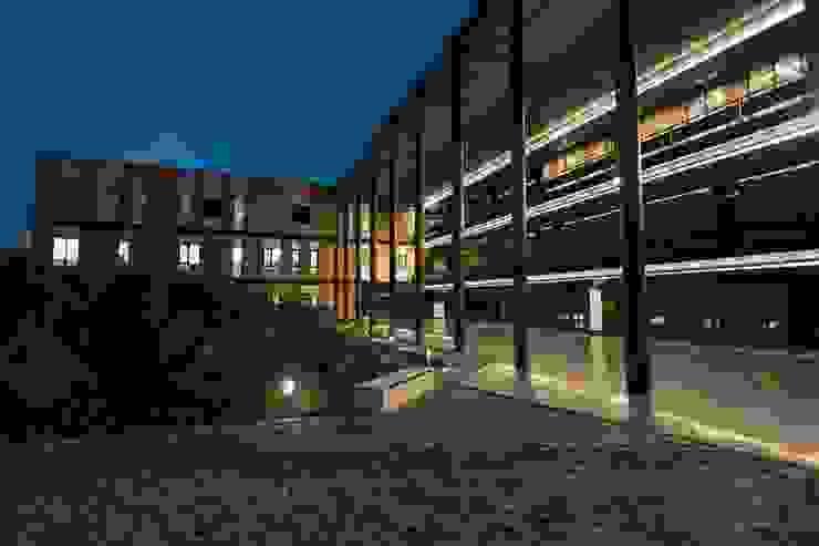 Facultad de ciencias forenses de la Unam Estudios y despachos modernos de Plataforma DP Moderno