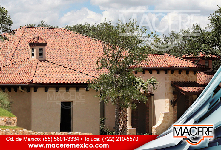 MACERE México Hipped roof