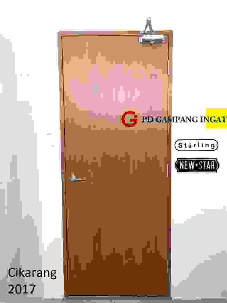 Doorcloser and Locking system at Tung Pai Indonesia Gampang Ingat pintu dalam Kayu Metallic/Silver