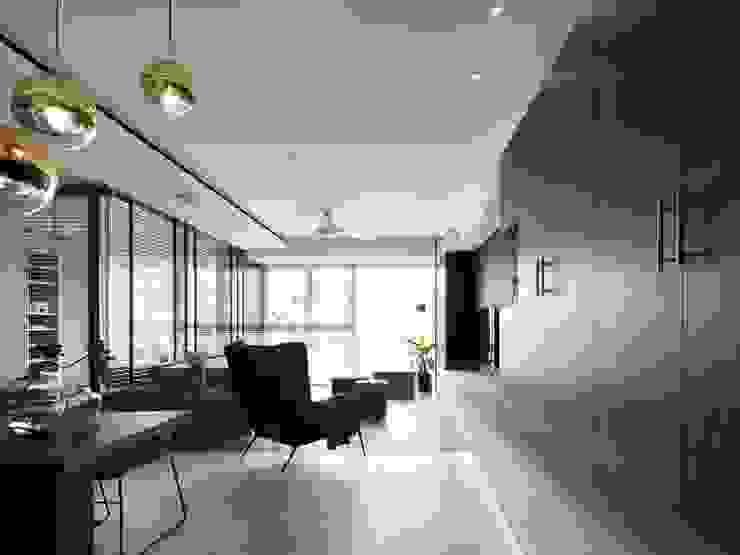 Moderne Wohnzimmer von 肯星室內設計 Modern