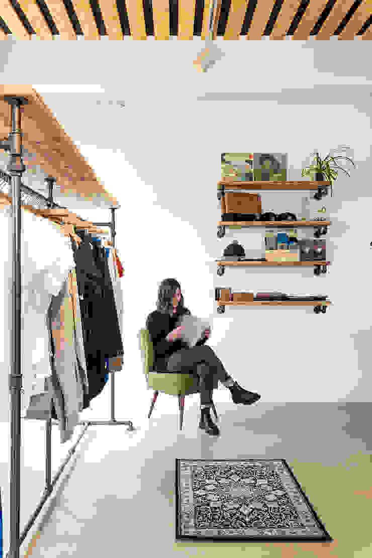 Interior design BLEED Clothing edictum - UNIKAT MOBILIAR