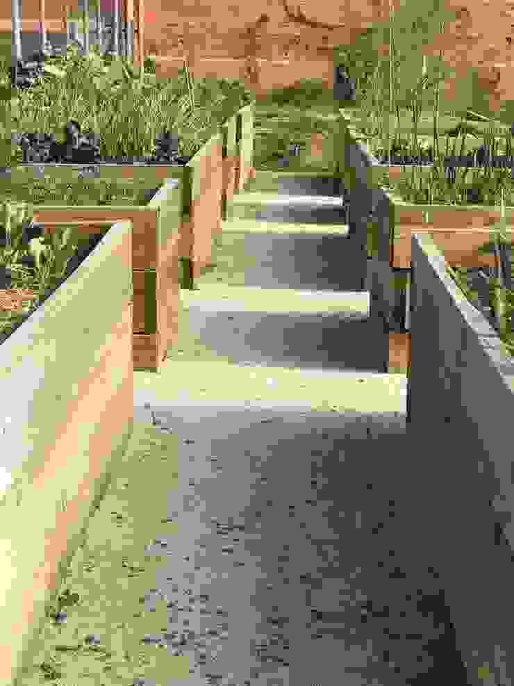 Horta elevada Jardins rústicos por Maria Mayer | Interior & Landscape Design Rústico