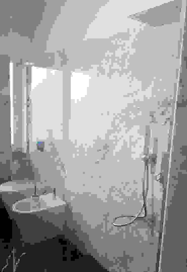 Bagno In Marmo Bianco Di Carrara E Nero Marquinia By Canalmarmi E