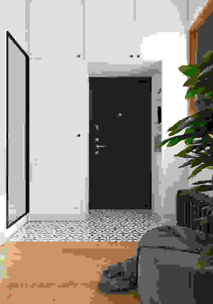Couloir, entrée, escaliers originaux par Aya Asaulyuk Design Éclectique
