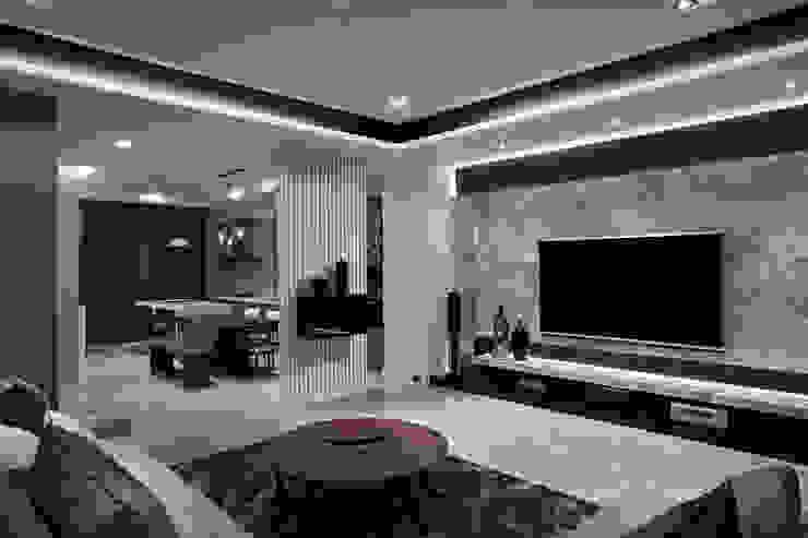 TL宅 现代客厅設計點子、靈感 & 圖片 根據 瑞嗎空間設計 現代風