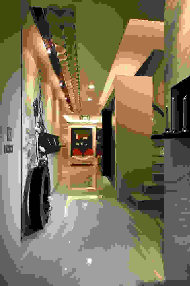 TC宅 現代風玄關、走廊與階梯 根據 瑞嗎空間設計 現代風