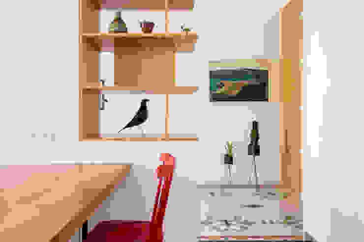 Couloir, entrée, escaliers modernes par DonateCaballero Arquitectos Moderne