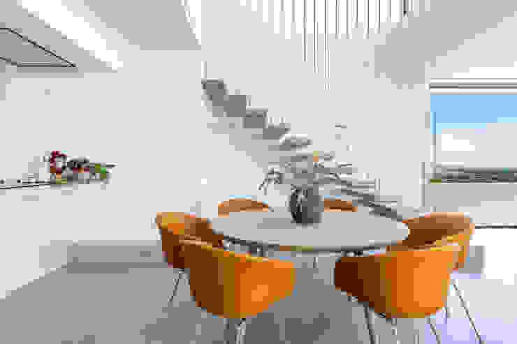Villa de lujo en Marbella Comedores de estilo minimalista de JCCalvente Minimalista