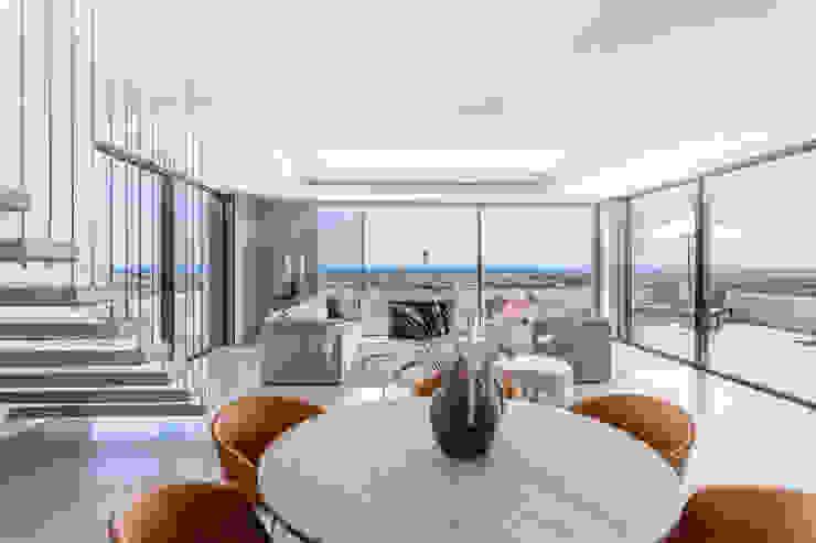 Villa de lujo en Marbella Salones de estilo minimalista de JCCalvente Minimalista