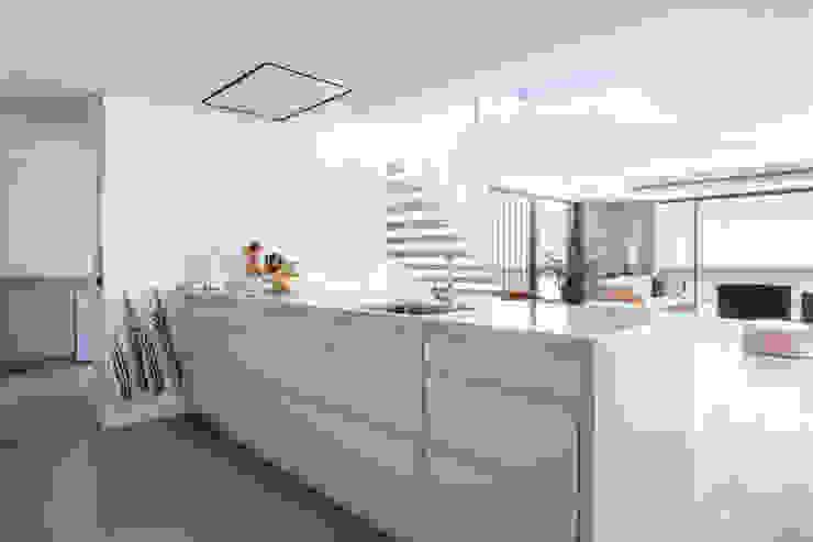 Villa de lujo en Marbella Cocinas de estilo minimalista de JCCalvente Minimalista