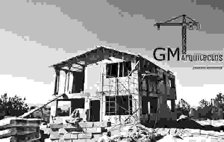 CONTRUCCION Casas clásicas de GM ARQUITECTOS MEXICO Clásico