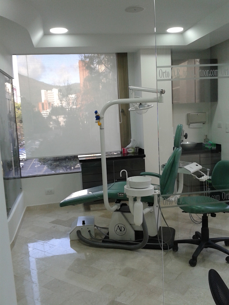 Consultorio Odontologico Estudios y despachos de estilo moderno de Goodhaus SAS Moderno