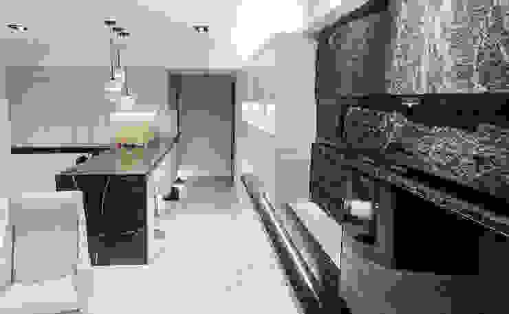 客餐廳設計動線及風水規劃:  客廳 by 大吉利室內裝修設計工程有限公司, 現代風