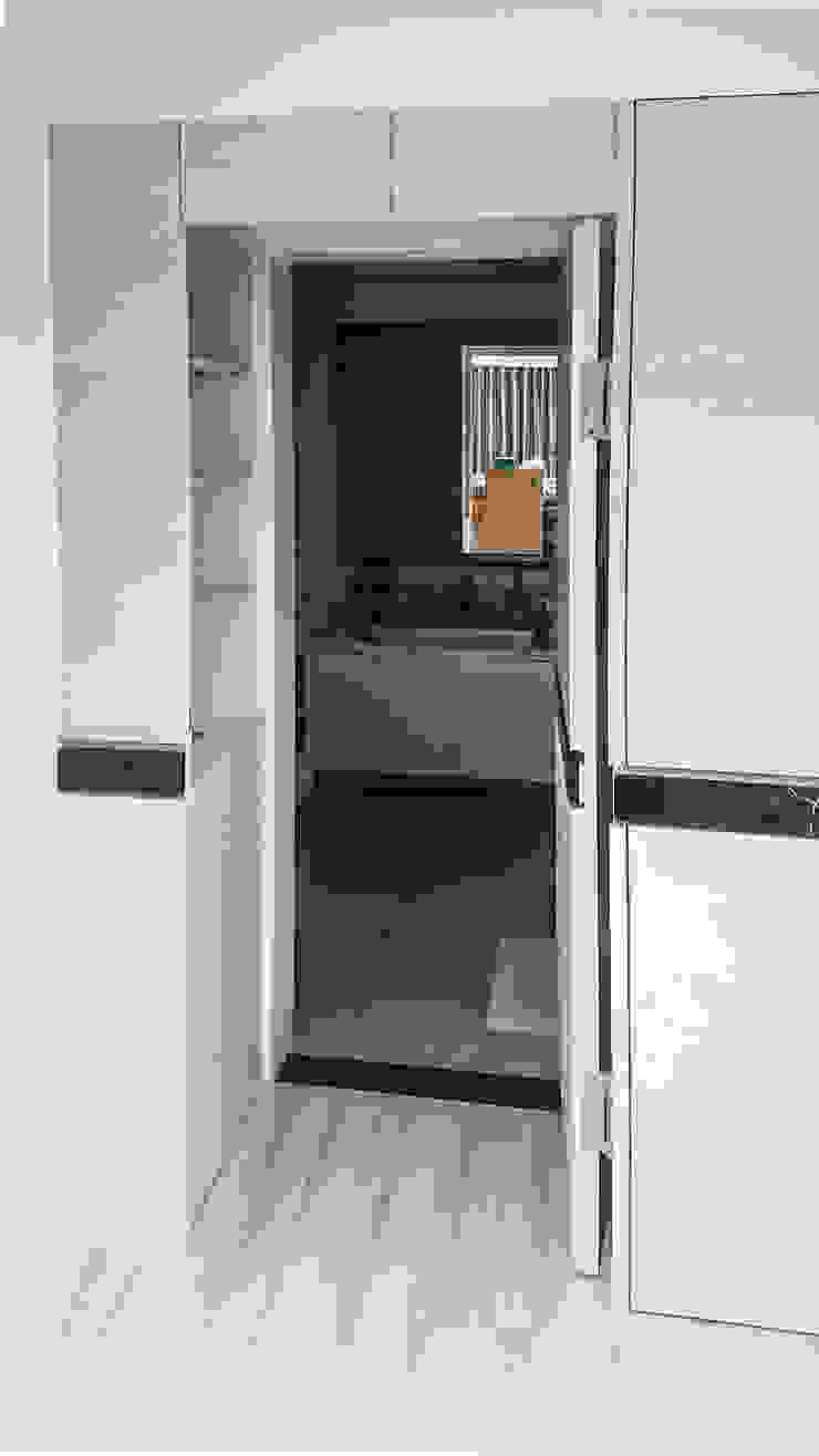 Kamar Mandi Modern Oleh 大吉利室內裝修設計工程有限公司 Modern