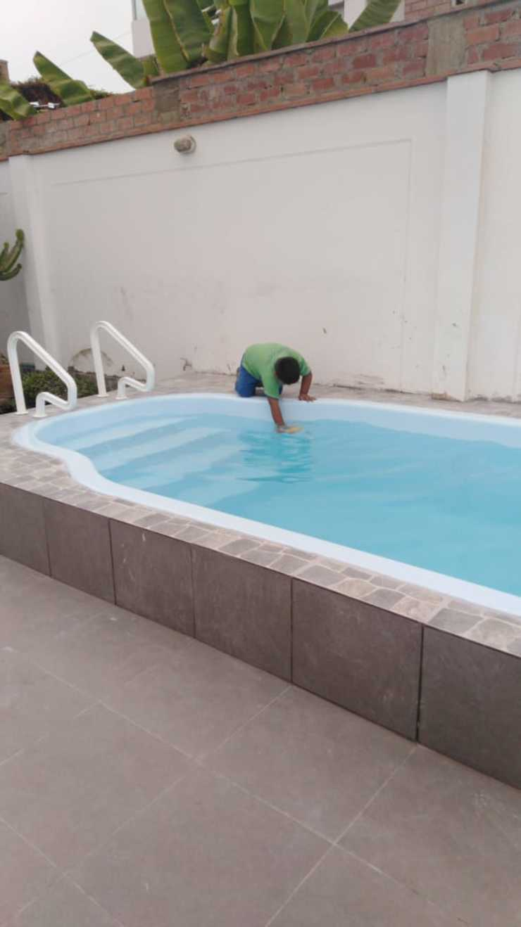 Supervisando de Pool Solei